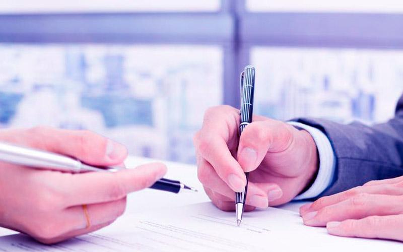 Solicitar asesoría legal en contratos - CorcelAbogados.com